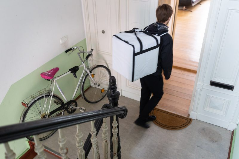 Jonas Lund Gallery.Delivery